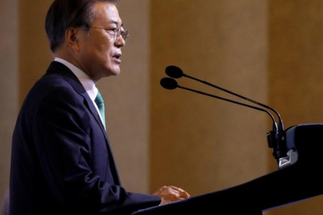 South Korea's Moon urges North, United States to move forward on denuclearisation