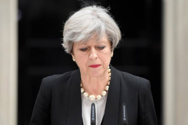 Will Theresa May survive confidence vote ?