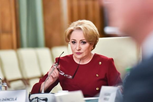 Will Viorica Dăncilă win the motion of no confidence against her government?