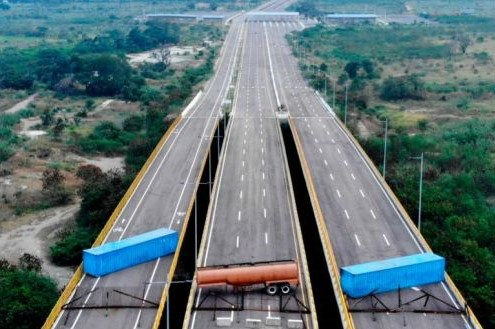 Will Venezuela open aid corridor on the Colombian border?