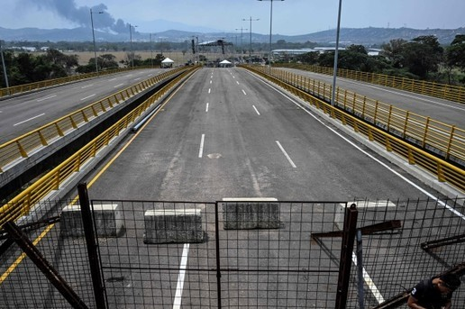 Will Maduro close the border with Colombia?